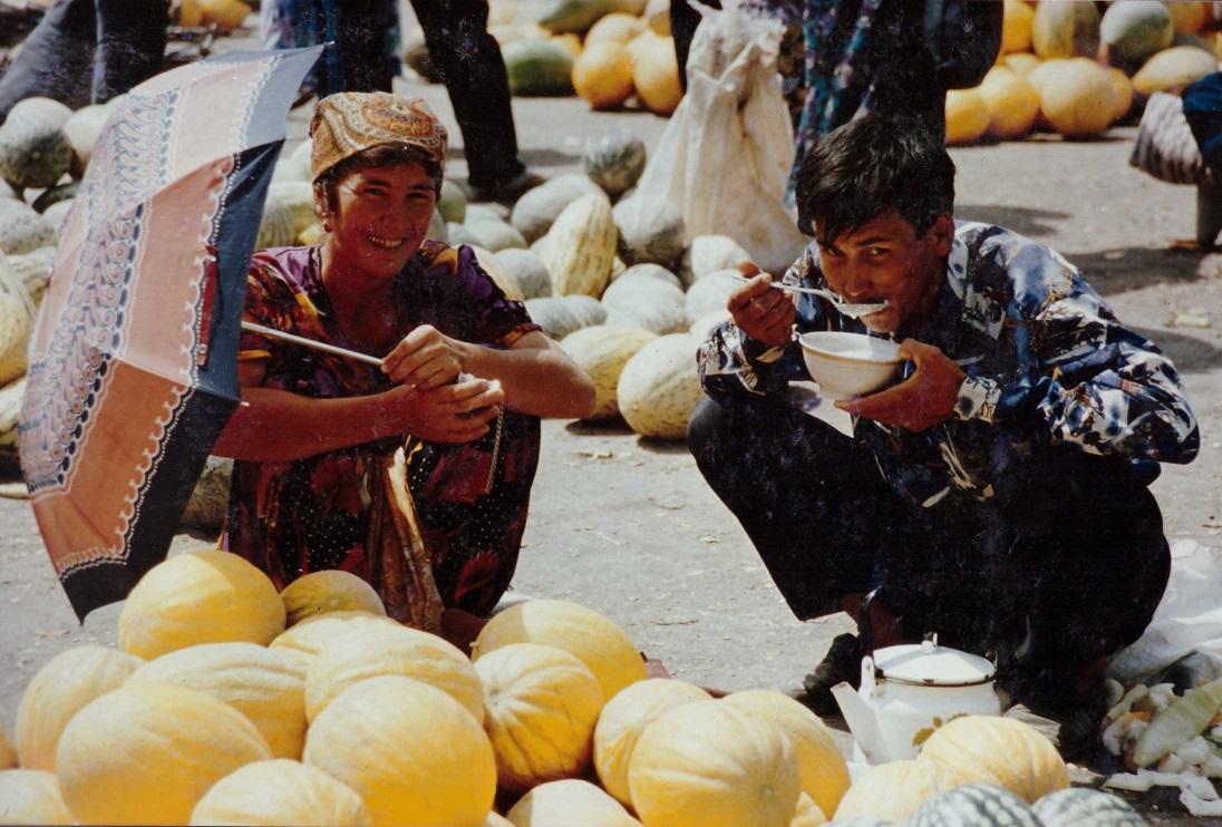 marche-en-ouzbekistan-repas