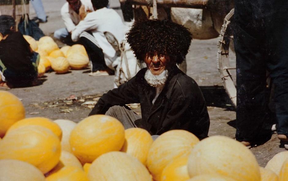 portait-ouzbekistan-homme-au-marche