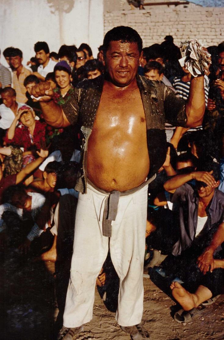 Portait Ouzbekistan - Homme ayant gagner kourach dans la rue