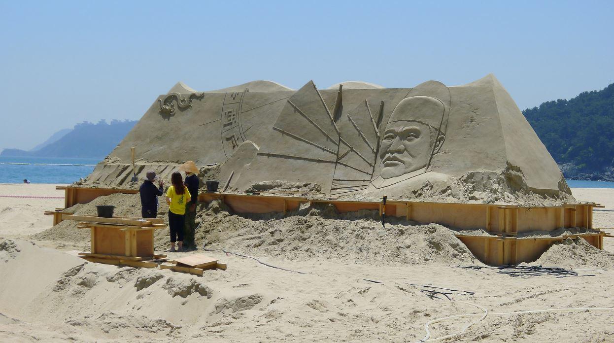 Figure de sable sur la plage de Haeunda